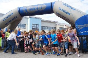 The start of the Hill of Banchory School fun run