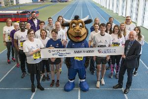 Commonwealth Games medallist Robbie Simpson and Aberdeen University mascot Angus the Bull were among those who marked the launch of the Gold Wave with a 'sprint to the finish' at Aberdeen Sports Village earlier today (Wednesday, March 6).