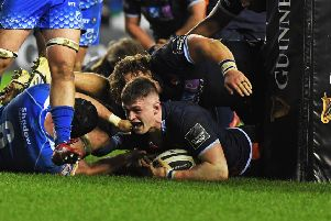 Magnus Bradbury touches down for Edinburgh on his way to winning the man-of-the-match award against Dragons. Picture: SNS/SRU