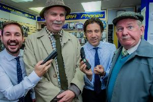 Martin Compston and Gianni Capaldi have cameo roles as mobile phone salesmen in the first episode of the new series of Still Game.