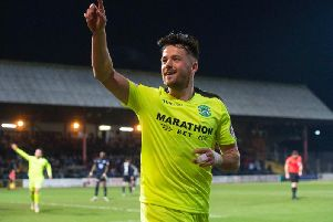 Marc McNulty took his tally to four goals in three starts for Hibs.