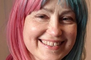 Cancer mum-of-two who returned money raised dies