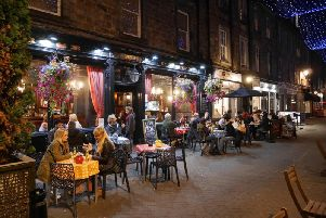 If you feel like you've run out of time to grab a bite to eat in Edinburgh, these places are here to the rescue (Photo: Shutterstock)