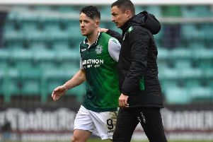 Marc McNulty with Paul Heckingbottom during the striker's loan spell at Easter Road