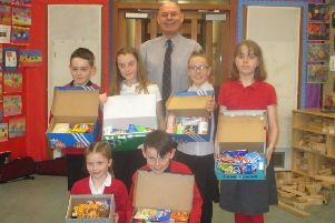 Castlehill Primary pupils donate to Cupar Foodbank.