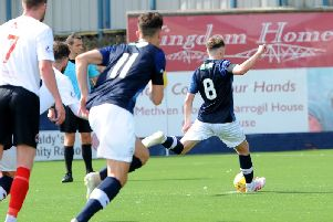 Regan Hendry slots home his penalty against Clyde on Saturday. Pic: Fife Photo Agency