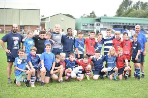 S1 youngsters with coaches and Scottish internationalists Siobhan Cattigan and Panashe Muzambe. Pic by Chris Reekie.