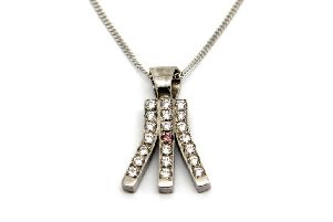 Jay Sprigg, owner of Unique Jewels, has designed a special pendant for the Broch-based In the Pink committee to help to raise funds for breast cancer care
