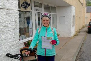 Mavis Paterson has become a record-breaker at the age of 81 after cycling the length of the country in 23 days.