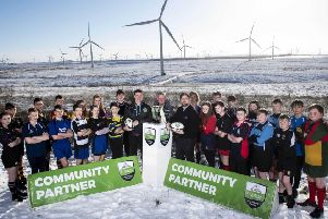 The launch of the Scottish Power Energy Networks Warriors Championship.  Pictured are players from participating schools with  l/r Lee Jones (Glasgow  Warriors player), Frank Mitchell (CEO, SP Energy Networks) and Nathan  Bombrys (Managing Director, Glasgow Warriors). Pic: SNS Group/SRU