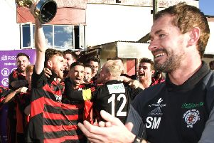 Stewart Maxwell is staying on as Rob Roy boss despite an approach from Kilbirnie Ladeside