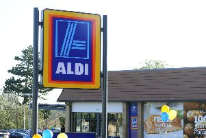 21-04-2016. Picture Michael Gillen. POLMONT. Greenpark. Opening of the new Aldi store. Aldi Polmont.