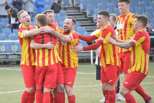 Rossvale celebrate Joe Slattery's opener against Beith (pic: HT Photography/@dibsy_)