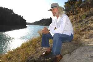 Award-winning country and folk musician Charlie Landsborough is touring Scotland this autumn.