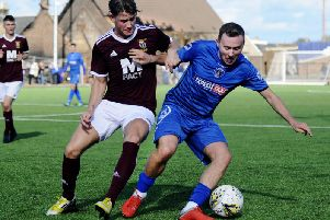 Boness United (pictured here in action against Tranent last Saturday, have scored last gasp winners in each of their last two games (Pic by Alan Murray)