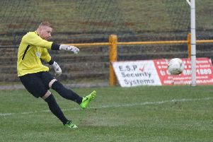 Carluke keeper David Cherrie in action against Kilbirnie on Saturday (Pic by Kevin Ramage)