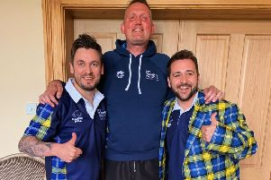 Stephen Elliot (left) and Chris Ferri with former Scottish rugby star Doddie Weir
