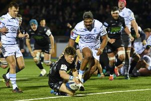 George Horne dives over in the 77th minute to give Glasgow breathing space. Picture: SNS/SRU