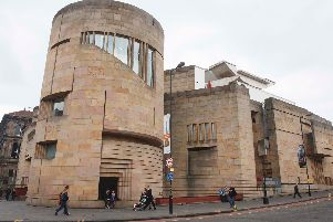 The National Museum of Scotland has agreed to return two Native American skulls from Edinburgh to Canada.