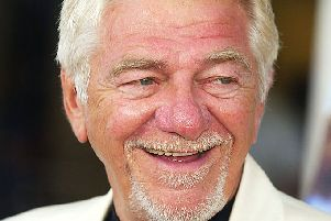Seymour Cassel at a premiere in 2003. (Picture: Kevin Winter/Getty Images)