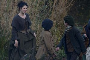 Caitriona Balfe, who plays Claire Fraser, films a scene in Pollock Park, Glasgow. Picture: HEMEDIA/ SWNS Group
