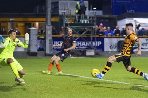Kevin O'Hara scores the winning goal for Alloa. Picture: SNS.