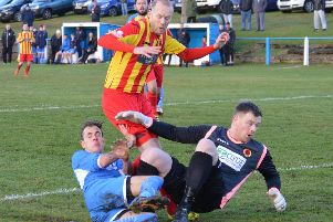 Action from Saturday's Rossvale-Lanark United cup tie (Picture by Helen Templeton / @dibsy_)
