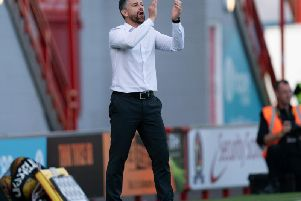 Stephen Robinson encourages his Motherwell players at Hamilton Accies (Pic by Ian McFadyen)